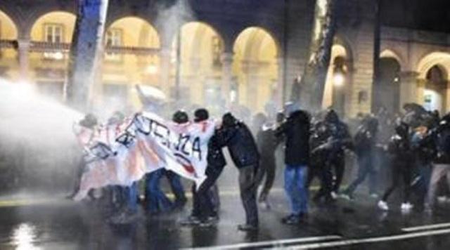 Τορίνο: Συγκρούσεις της αστυνομίας με ακροαριστερούς διαδηλωτές