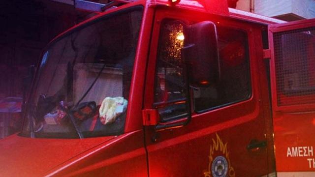 Νεκρή γυναίκα από την κακοκαιρία: Παρασύρθηκε από χείμαρρο μπροστά στην κόρη της