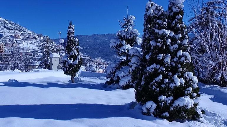 Χιόνια σε Φθιώτιδα και Ευρυτανία - Στο πόδι για τον Σπερχειό