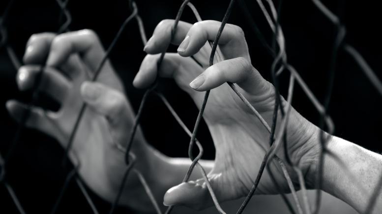 Μαρτυρία-σοκ ανήλικης για τον γολγοθά της σε κύκλωμα πορνείας