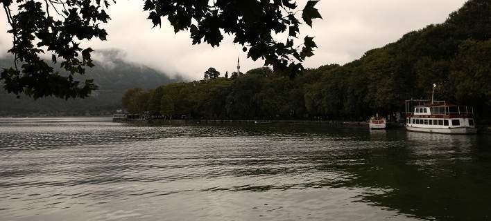 Νεκρή μέσα στη λίμνη Ιωαννίνων βρέθηκε ηλικιωμένη
