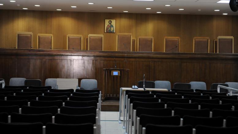 «Εμφύλιος» στη Δικαιοσύνη για το σκάνδαλο Novartis