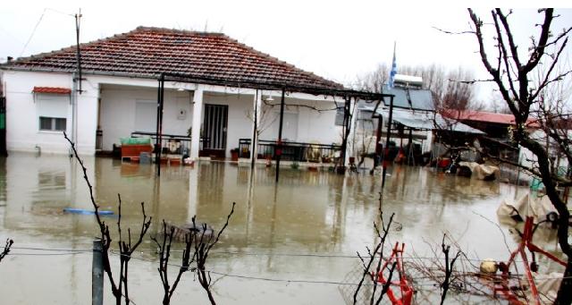 Γκρεμίστηκαν σπίτια από τις κατολισθήσεις στο Ν.Τρικάλων