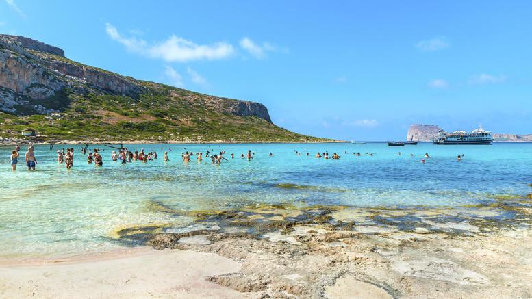 Tripadvisor: 3 παραμυθένιες ελληνικές παραλίες στις καλύτερες της Ευρώπης