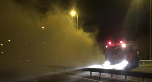 Φωτιά σε φορτηγό στην ΕΟ Λάρισας-Τρικάλων [εικόνες]