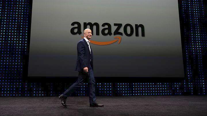 Ο ιδρυτής της Amazon Τζεφ Μπέζος στην κορυφή του καταλόγου των δισεκατομμυριούχων