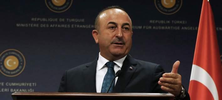 Το τουρκικό ΥΠΕΞ τα βάζει με τον Παυλόπουλο και ζητά συλλήψεις στην Αθήνα