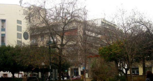 29χρονη κυκλοφορούσε ολόγυμνη μέσα στους δρόμους του Αγρινίου
