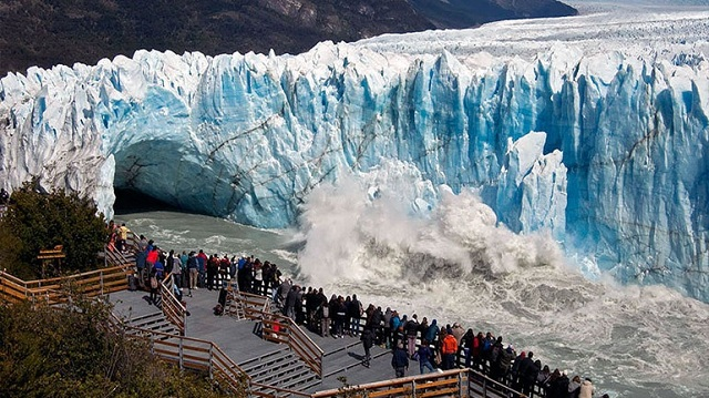 Perito Moreno: Ένας τεράστιος παγετώνας στα πρόθυρα... κατάρρευσης