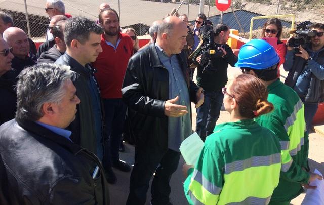 Συμβολικός αποκλεισμός της ΑΓΕΤ για την καύση σκουπιδιών