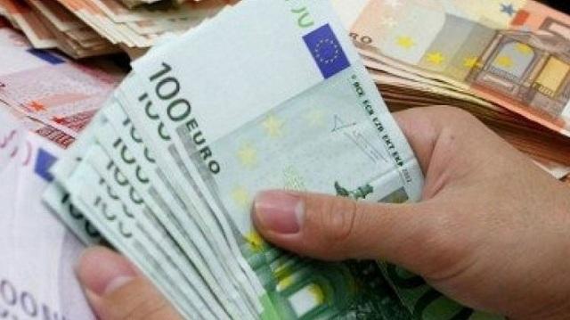 Κάθειρξη 12 ετών σε τραπεζικό για υπεξαίρεση 670.000 ευρώ