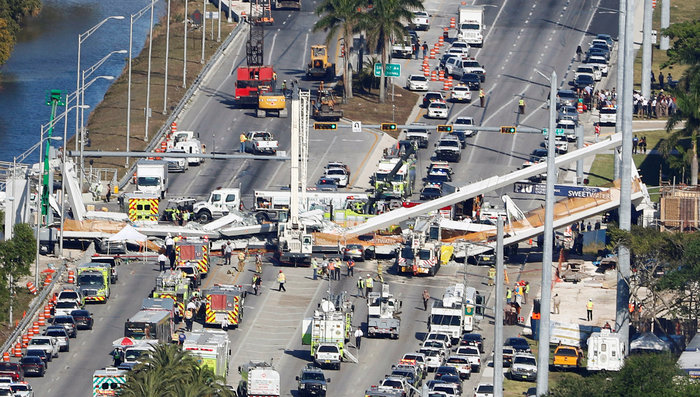 Φλόριντα: Τέσσερις νεκροί από την κατάρρευση της πεζογέφυρας