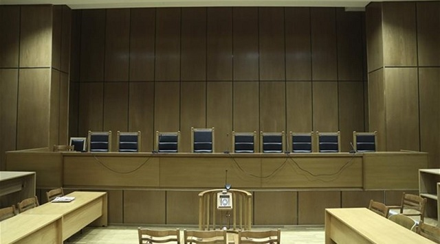Αντιπαράθεση δικηγόρων και δικαστών για τις δίκες χωρίς δικηγόρους