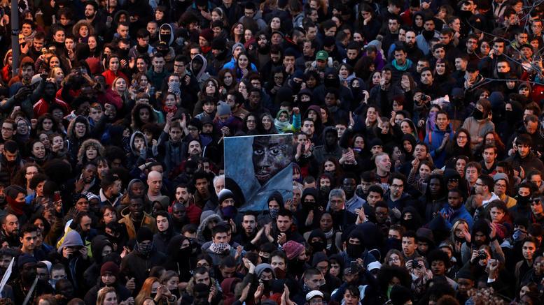 Βίαια επεισόδια στη Μαδρίτη για τον θάνατο πλανόδιου πωλητή