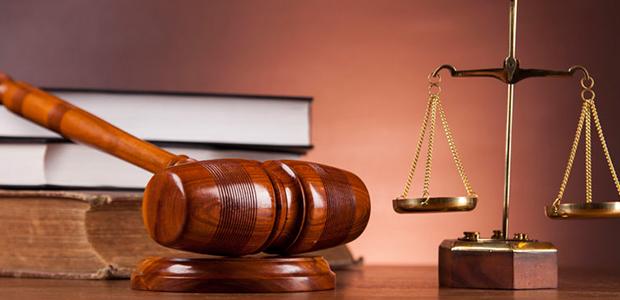 Σε δίκη 41χρονος για βιασμό 55χρονης, με υπεράσπιση τη σύντροφό του