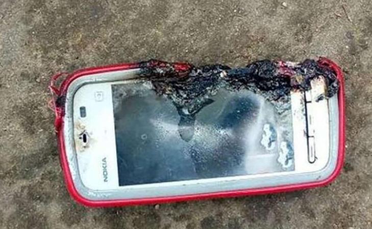 18χρονη στην Ινδία σκοτώθηκε από έκρηξη κινητού