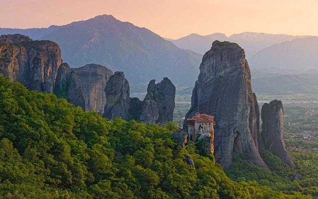 Ημερίδα για τον θρησκευτικό -προσκυνηματικό τουρισμό στην Θεσσαλία