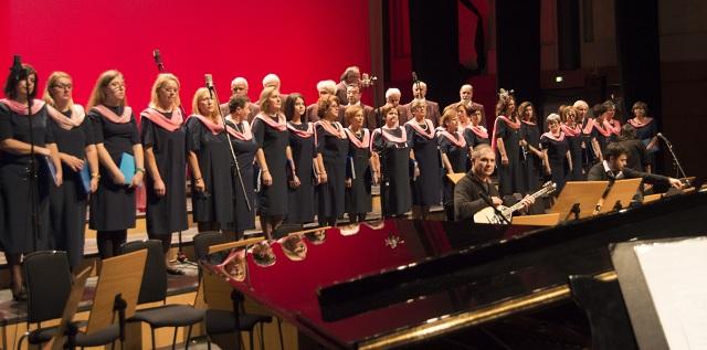 Ενθουσίασε η τετράφωνη μικτή χορωδία Αλμυρού στο διεθνές φεστιβάλ στο Πανόραμα
