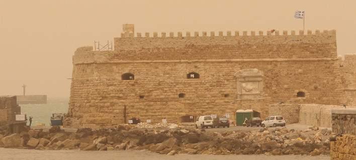 Σαρωτικοί νοτιάδες στην Κρήτη: Ανεμοι με ταχύτητα ρεκόρ, έφτασαν τα 135,2 χλμ./ώρα