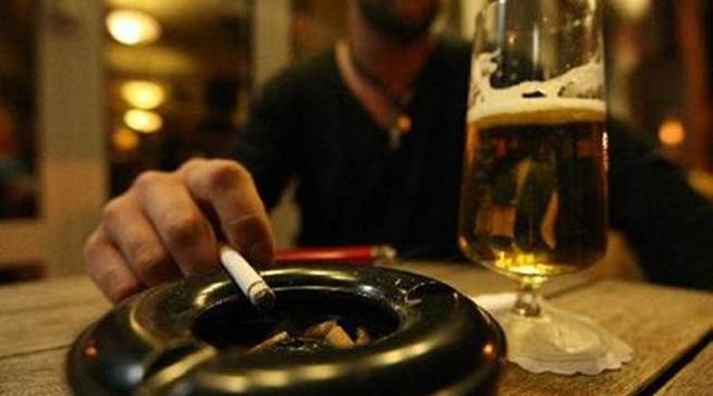 Αυστρία: Η κυβέρνηση κατάργησε τον αντικαπνιστικό νόμο