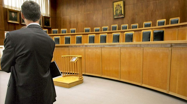 «Κλειδώνει» ο υπολογισμός του εφάπαξ για δικηγόρους με έμμισθη εντολή
