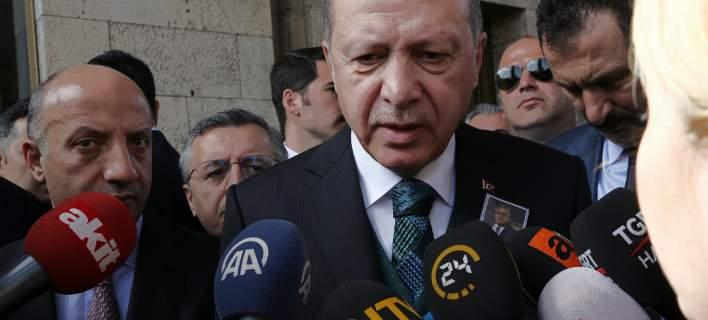 Βόμβες Ερντογάν: Θέτει εμμέσως θέμα ανταλλαγής των 2 Ελλήνων με τους 8 Τούρκους