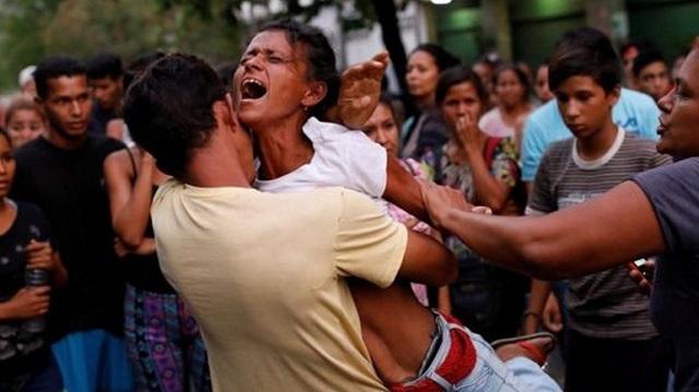 Βενεζουέλα: Τουλάχιστον 68 νεκροί από φωτιά στα κρατητήρια του αρχηγείου της αστυνομίας