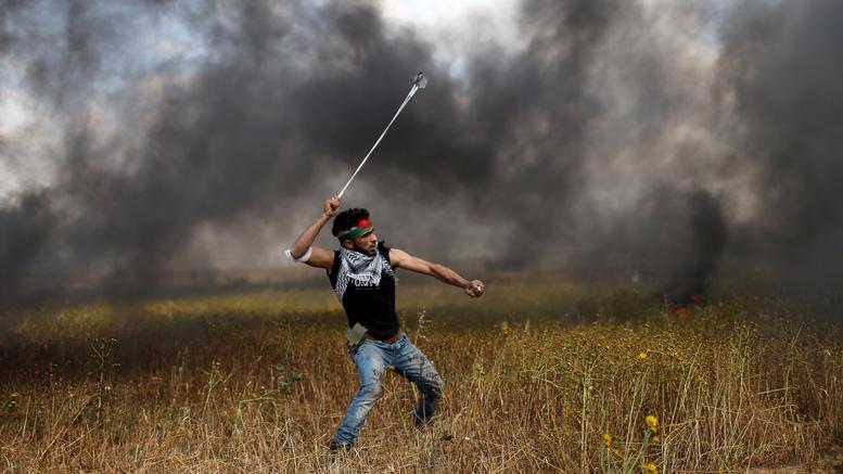 «Φωτιά» στη Λωρίδα της Γάζας: 16 νεκροί, εκατοντάδες τραυματίες
