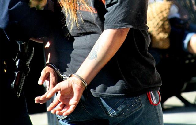 Συλλήψεις δύο φυγόποινων στην Λάρισα