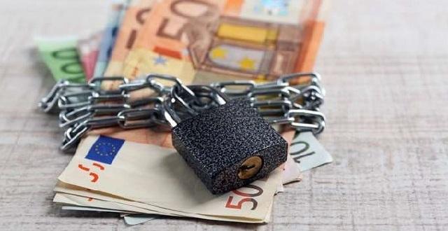 «Παράθυρο» για ξεμπλοκάρισμα δεσμευμένων λογαριασμών