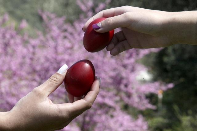 Γιατί βάφουμε τα αυγά κόκκινα σήμερα, Μεγάλη Πέμπτη