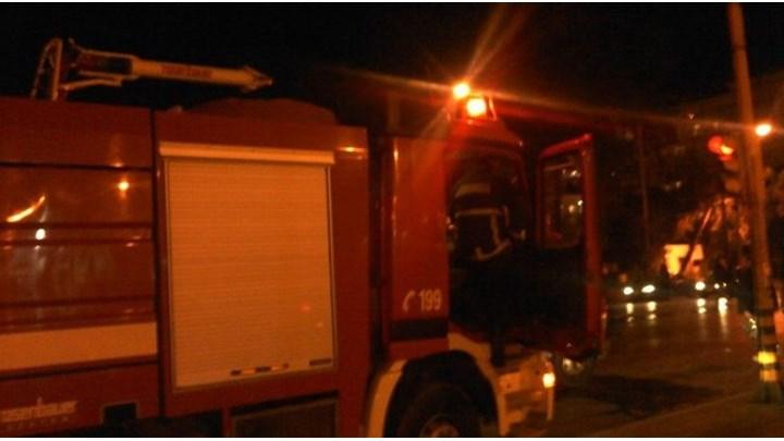 Ηλικιωμένη έκαψε... το σπίτι του γείτονα με βεγγαλικά