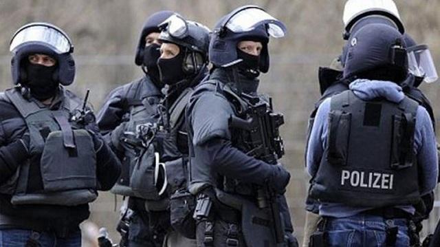 13 συλλήψεις στη Σικελία για παράνομη μεταφορά τσιγάρων και μεταναστών
