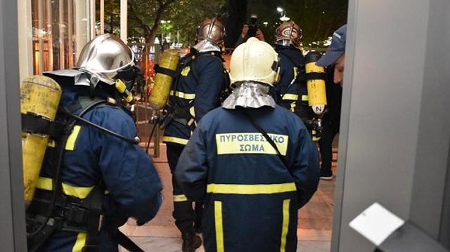 Εντυπωσιακή άσκηση της Πυροσβεστικής στο Δικαστικό Μέγαρο Λάρισας [εικόνες]