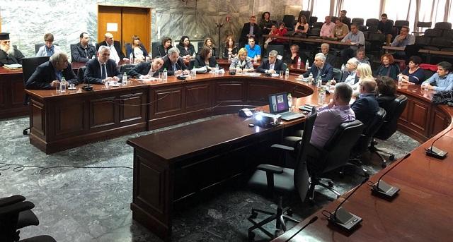 Απαγόρευση κυκλοφορίας βαρέων οχημάτων και παράκαμψη, οι προτάσεις για την οδό Βόλου στη Λάρισα