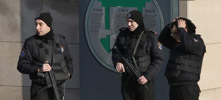 Τουρκία: Διέταξαν ακόμα 70 συλλήψεις εν ενεργεία αξιωματικών για διασυνδέσεις με τον Γκιουλέν