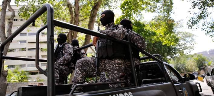 Νεκροί οι δύο δημοσιογράφοι και ο οδηγός που απήχθησαν από πρώην αντάρτες στην Κολομβία
