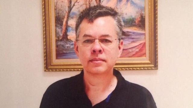 Τουρκία: Ξεκίνησε η δίκη του Αμερικανού πάστορα που κατηγορείται για τρομοκρατία