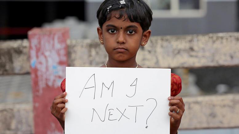 Αρχισε στην Ινδία η δίκη των «8» για τον βιασμό και τον φόνο 8χρονης