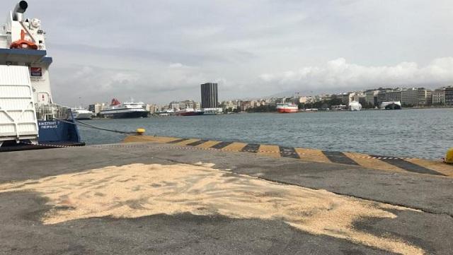 Δεμένα στα λιμάνια τα πλοία. Απεργία της ΠΝΟ