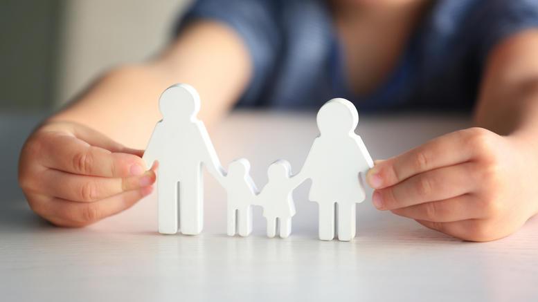 Τι προβλέπει το ν/σ για την προώθηση της αναδοχής και της τεκνοθεσίας