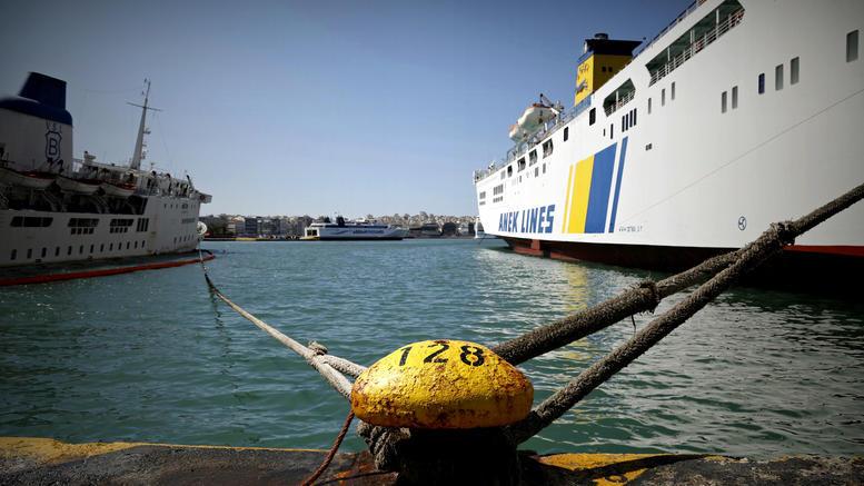 Δεμένα τα πλοία στα λιμάνια: 24ωρη απεργία της ΠΝΟ