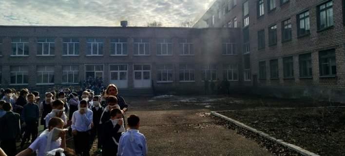 Συναγερμός σε σχολείο στη Ρωσία: Τέσσερις τραυματίες από επίθεση με μαχαίρι [βίντεο]
