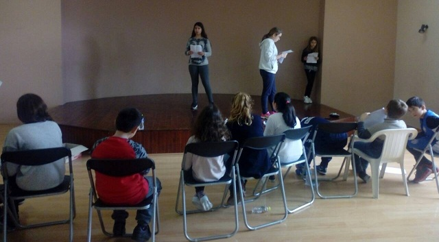 Θεατρικό αντιπολεμικό παραμύθι από παιδιά