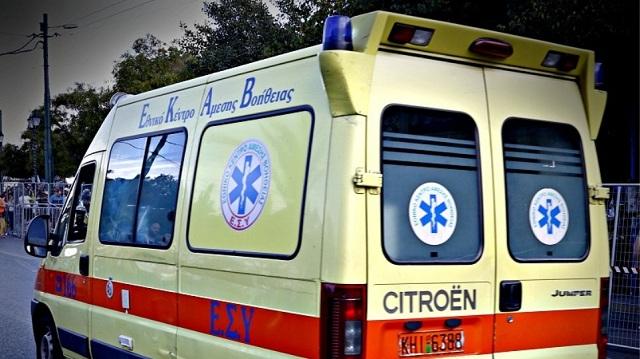 Σοβαρό τροχαίο με ασθενοφόρο που μετέφερε δύο νεογνά