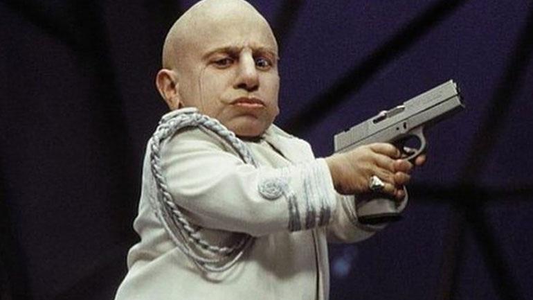 Πέθανε ο Βερν Τρόιερ, ο μικρόσωμος ηθοποιός που είχε ενσαρκώσει τον «Mini-Me»