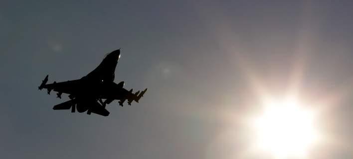 Οπλισμένα τουρκικά μαχητικά παραβίασαν τέσσερις φορές το ελληνικό FIR στο Αιγαίο