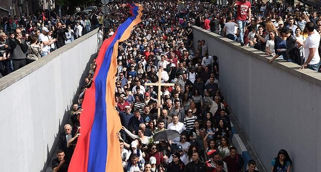 Επέτειος γενοκτονίας με πολιτικές εξελίξεις στην Αρμενία