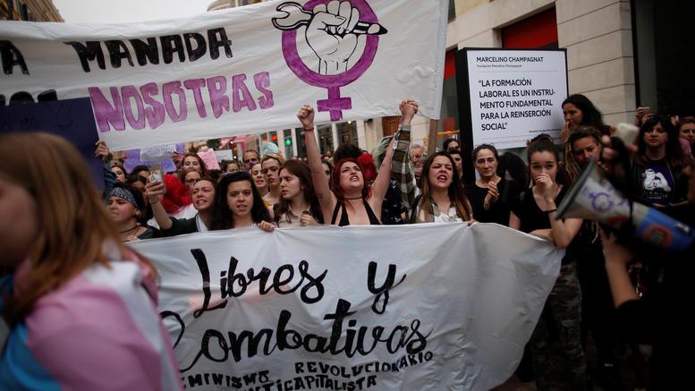 Οργή στην Ισπανία για την «αγέλη των βιαστών»