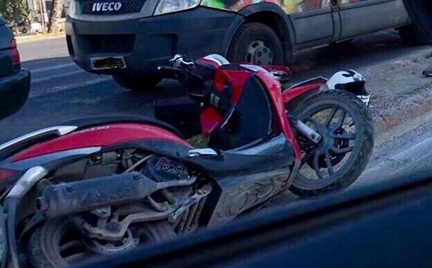 Σοβαρό τροχαίο με μηχανή στο δρόμο καρμανιόλα της Λάρισας